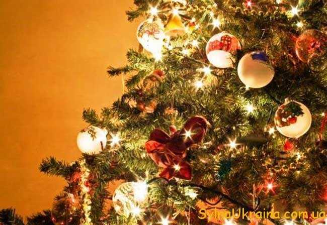 як красиво прикрасити ялинку на Новий рік 2019