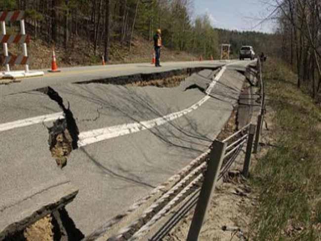 зруйнована дорога