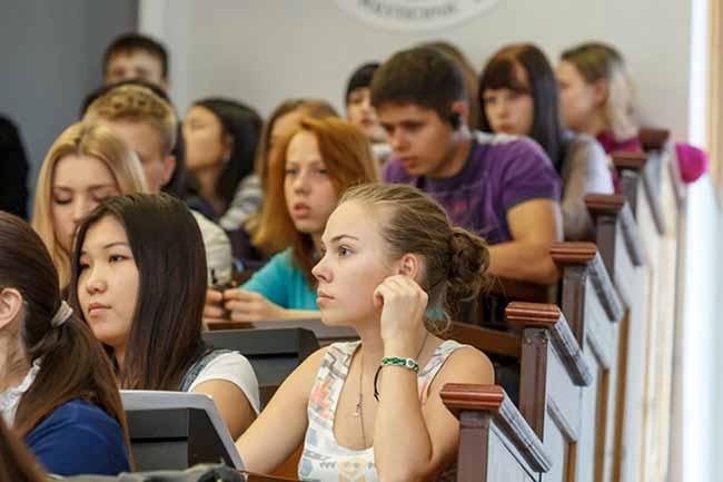 студенти в аудиторіі