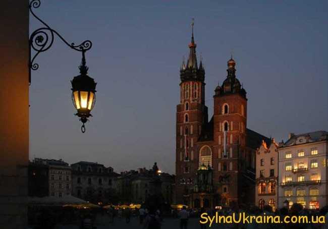вихідний (святковий) день у поляків святкується рівно 24 години