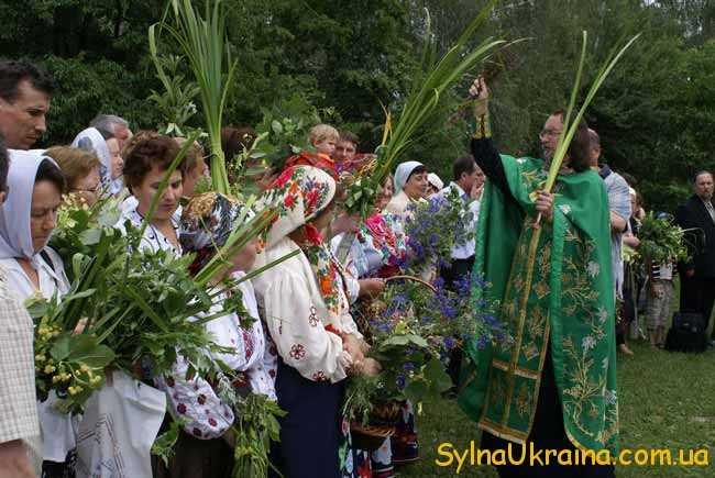 Зелені свята в Україні знаменують початок літа